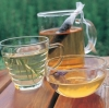 凉茶多喝无益 夏季喝多易腹泻