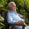 老年人腿抽筋怎么办?补钙锻炼强健身体