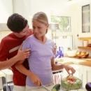 夫妻性生活不和谐怎么办 房间可明亮些