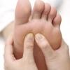 脚底发白营养不良 看脚底颜色知健康