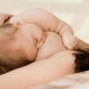 产后缺乳可用刮痧疗法催乳
