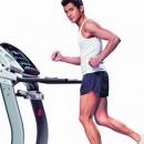练跑步机足不出户达到户外健身效果