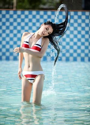 游泳时如何保护好头发?