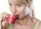 白领喝咖啡提神 不同时间功效不同