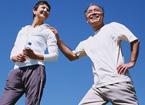 七招养生动作呵护老人腿部健康
