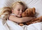 小孩睡觉容易出汗怎么办 不同情况